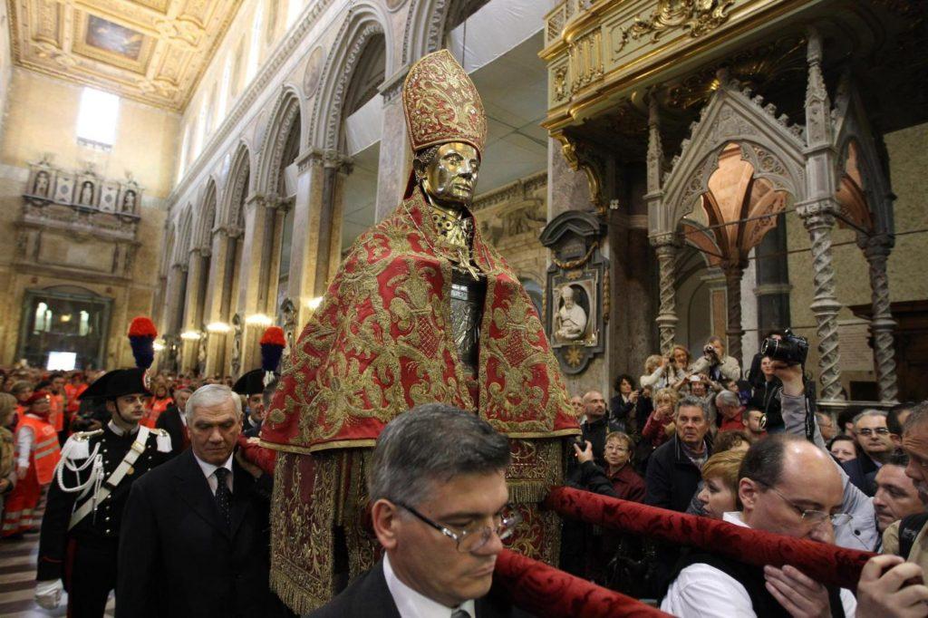 San Gennaro, si ripete il prodigio: Sepe annuncia la liquefazione del sangue